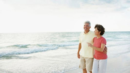Use it or lose it: Seniors with osteoarthritis greatly benefit from a brisk walk every day