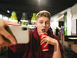 Teens drink more sugar and caffeine every hour they spend on screens