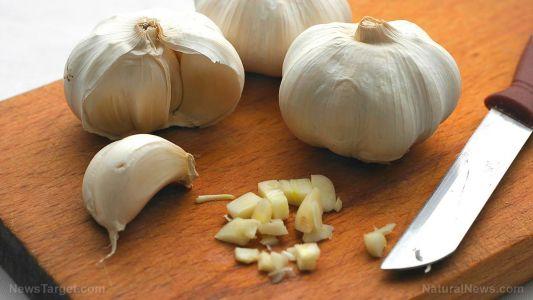 Garlic the master medicine: Scientists find a compound in the herb that can destroy resistant bacteria