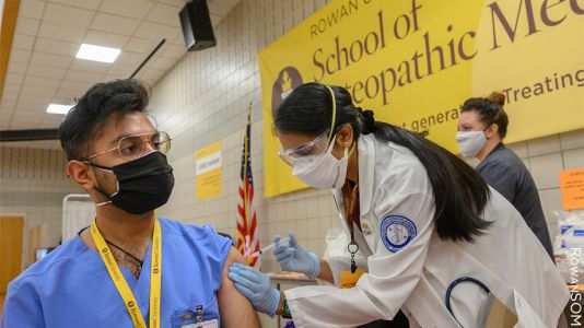 Med Students Join COVID Vaccination Push