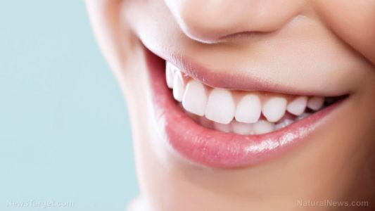 Natural mouthwashes work better than chemical ones for removing dental plaque