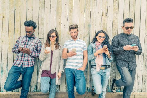 Smartphones are taking the FUN out of life - people view the world from their screens instead of experiencing it directly