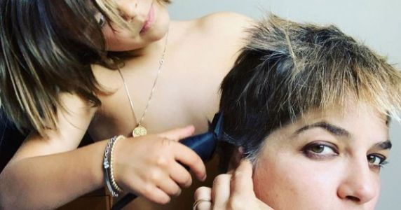 Selma Blair Let Her 7-Year-Old Son Help Shave Her Head