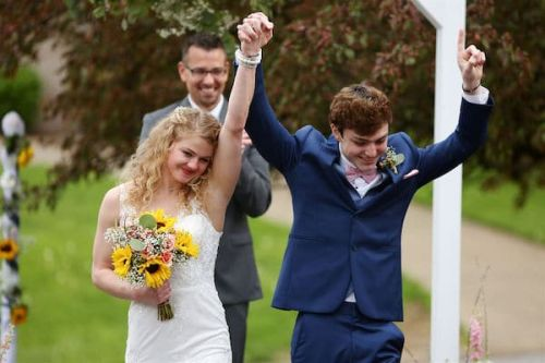 High School Senior With Terminal Cancer And Months To Live Marries Girlfriend