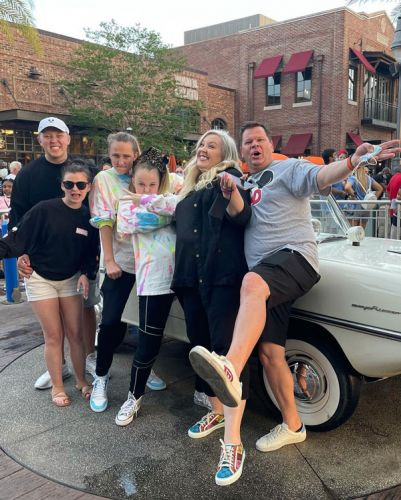 JoJo Siwa Shares Adorable Pics With Girlfriend Kylie At Disneyland