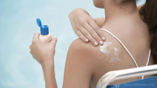 """If you use """"regular"""" sunscreen, you are poisoning your blood with cancer-causing chemicals"""