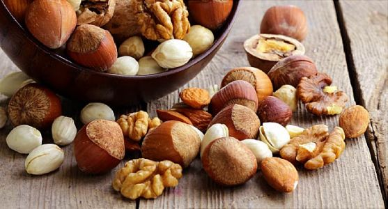 Walnuts, Almonds Help Hearts in Type 2 Diabetes