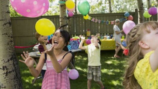 'Fiver Parties' Are The New Birthday Party Trend That Make Everyone's Life Easier