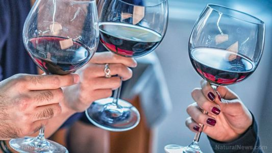 Everything in moderation: Drinking a glass of wine daily helps lower depression risk