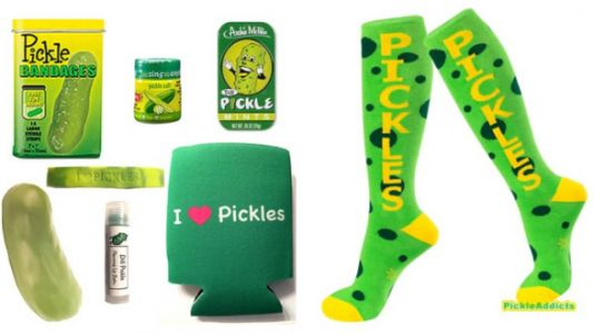 These Pickle Gift Sets Are Perfect For Your Pickle-Obsessed Friend