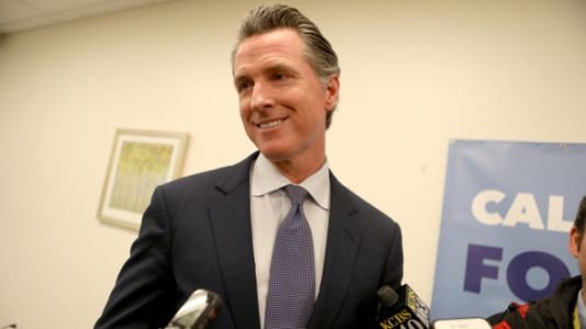 CA Governor Defies Trump And Offers Furloughed Workers Unemployment Benefits