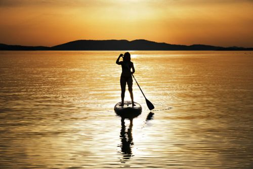 5 Health Benefits Of A Stand Up Paddleboard