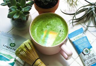 Midweek Quick Cooking: Matcha Collagen Fuel Latte