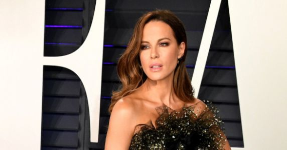 Kate Beckinsale Shares Poignant Post About Grieving Your Dad On Father's Day