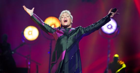 Pink Finally Disabled Her Instagram Comments So Haters Can Just Eff Off Now